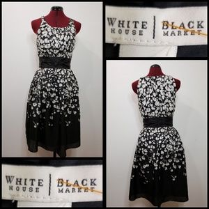 white house black market woman sleeveless dress